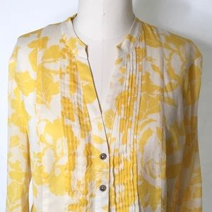 Maeve by Anthropologie Pintuck Floral top Size 6